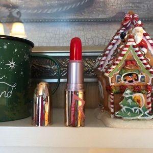 NEW | MAC Rihanna riri woo red lipstick